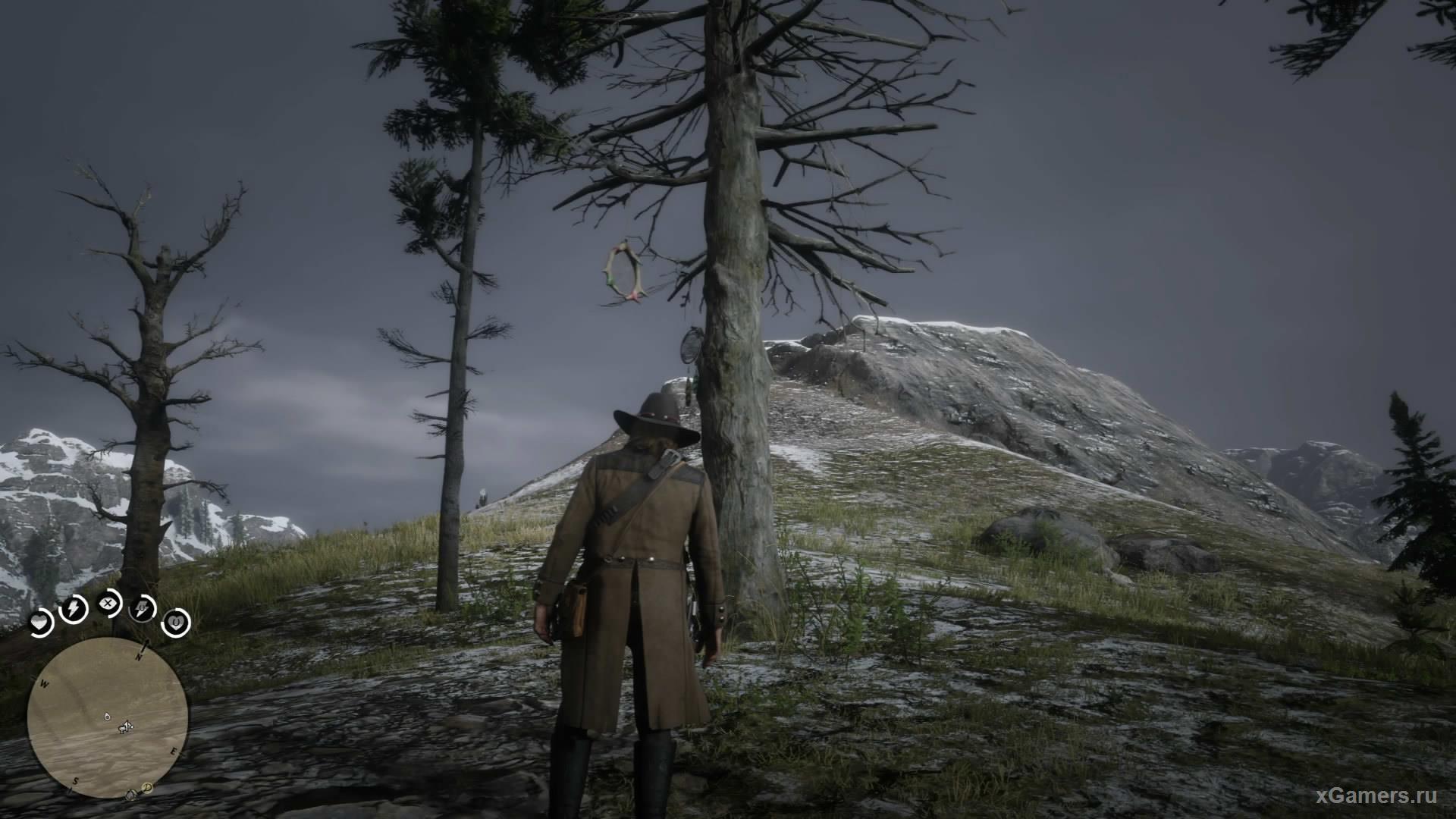 Семнадцатый ловец находится в горах гризли, на нижней ветке дерева